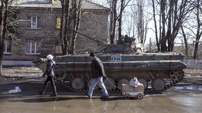 Kiev retirará el armamento pesado cuando se complete el alto el fuego