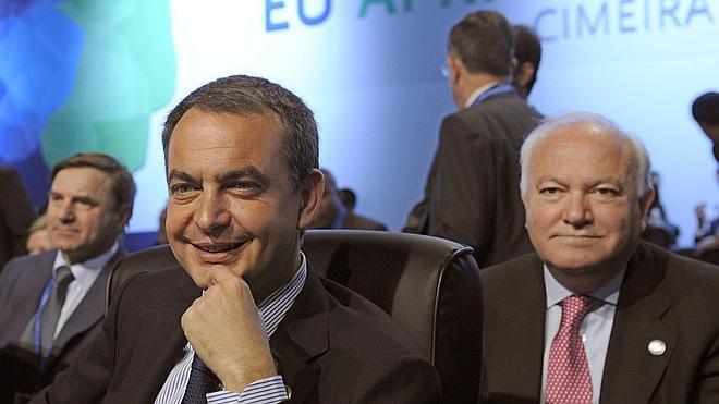 Zapatero visita Cuba por sorpresa junto a Moratinos