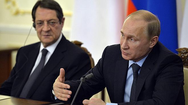 Putin dice que el corte del gas a las regiones rebeldes de Ucrania «huele a genocidio»