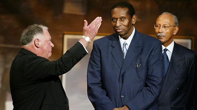 Fallece Earl Lloyd, primer jugador negro de la NBA