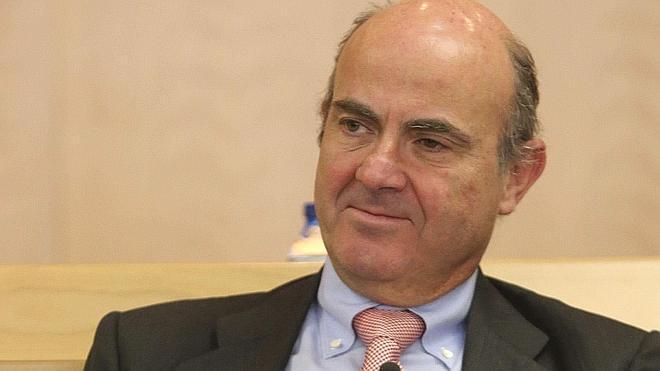 De Guindos dice que España siempre ha mantenido «solidaridad» con Grecia