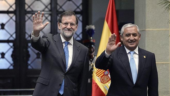 Rajoy zanja la polémica sobre Aguirre y Cifuentes: «Tenemos dos candidatas magníficas»