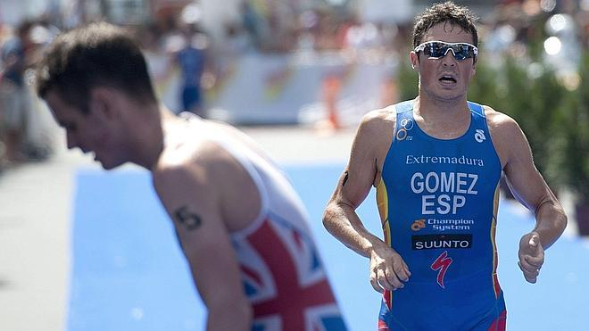 Gómez Noya acaba segundo en Auckland