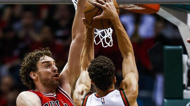 Los Bulls, a un paso de eliminar a los Bucks