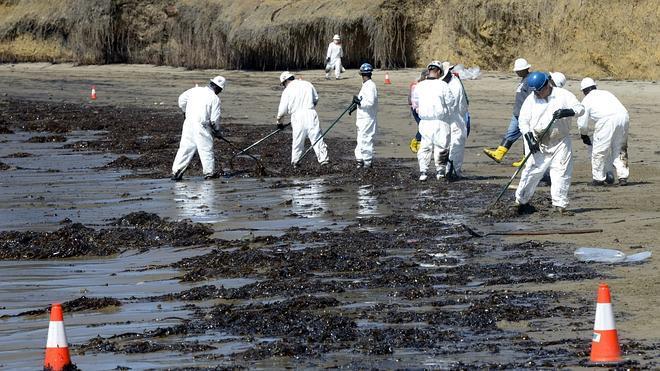 California declara el estado de emergencia a causa del vertido de crudo en Santa Bárbara