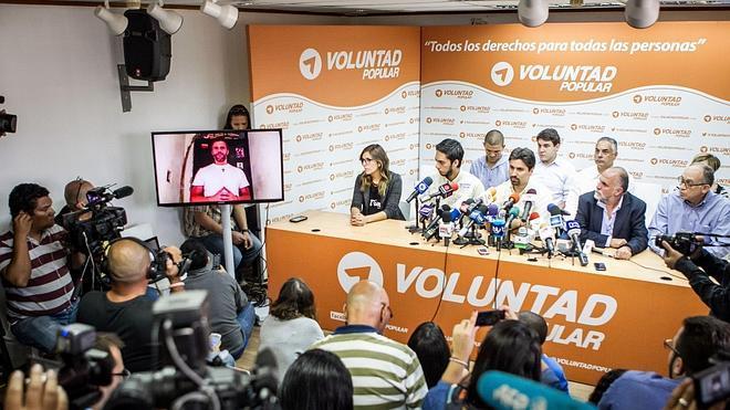 Los opositores venezolanos Leopoldo López y Daniel Ceballos reafirman su huelga de hambre