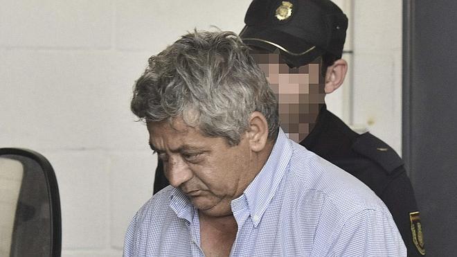 La mujer asesinada por su marido en Sevilla fue golpeada con la tapa de una cisterna