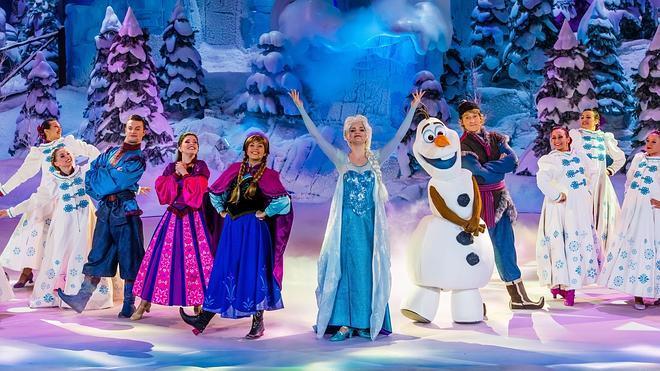 La nieve cubre Disneyland París este verano