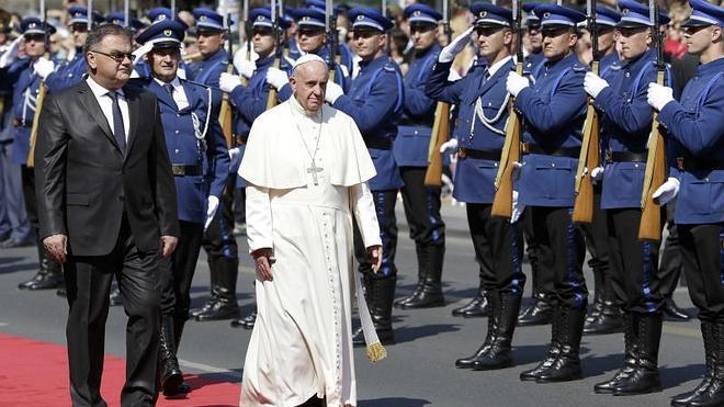 El Papa dice en Sarajevo que percibe un «clima de guerra»