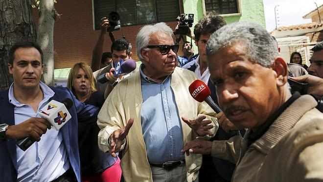 Felipe González deja Venezuela al no obtener permiso para ver a los opositores