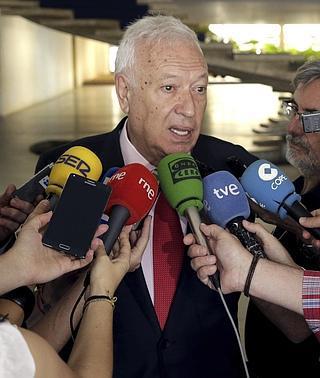 El secretario de Estado de Cooperación viajará a Caracas para rebajar la tensión con Venezuela
