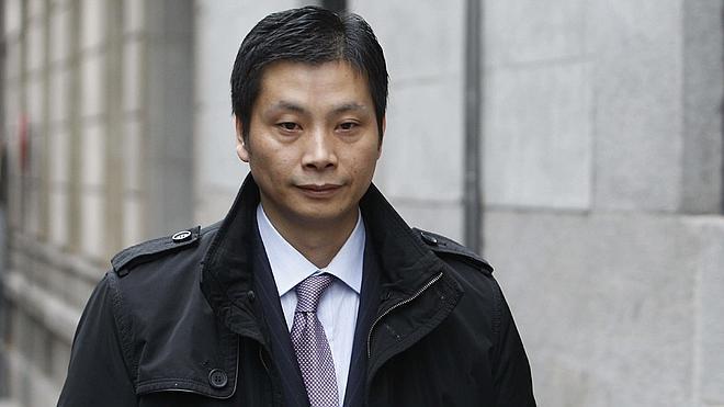 Gao Ping reúne 93 cheques de la comunidad china para salir de prisión