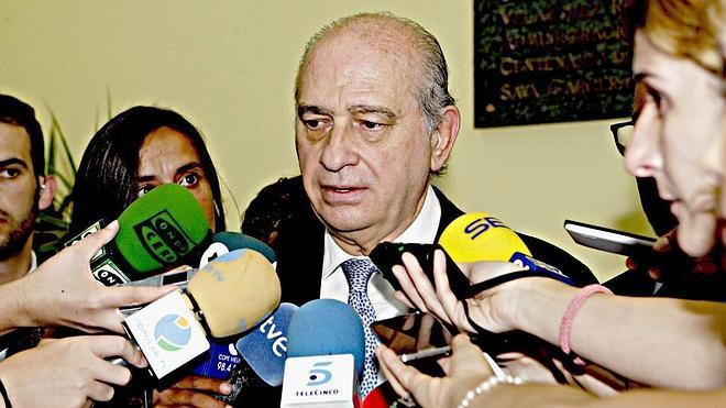 Fernández Díaz dice que Artur Mas «convoca elecciones porque de gobernar tiene pocas dotes»