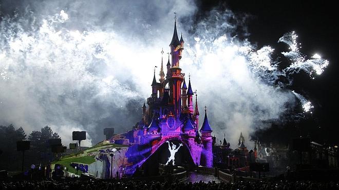 Bruselas investiga a Disneyland París por aplicar precios en función de la nacionalidad