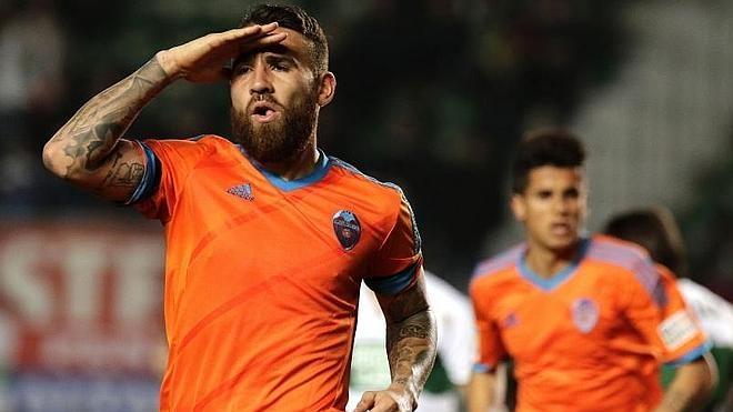 El Valencia y el City confirman el traspaso de Otamendi