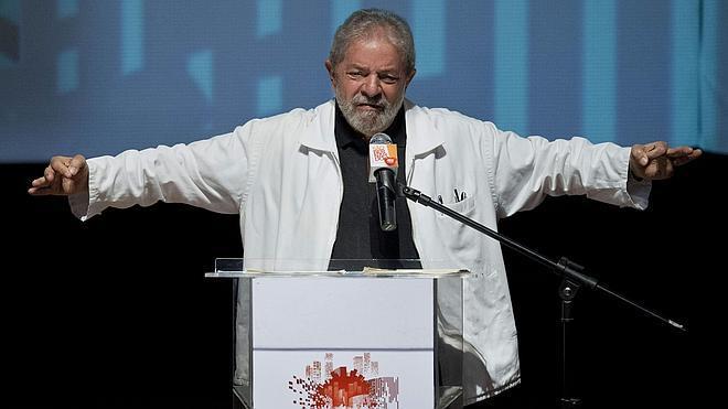 Lula da Silva confirma su regreso a la política