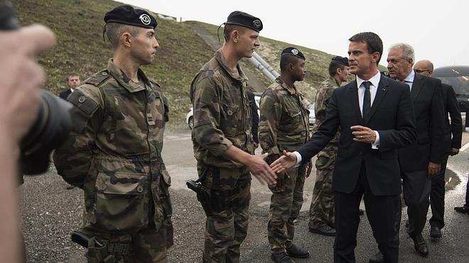 Francia levantará en Calais un nuevo campamento para inmigrantes