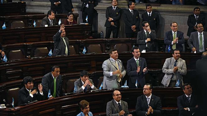 El Congreso de Guatemala retira la inmunidad al presidente Otto Pérez Molina