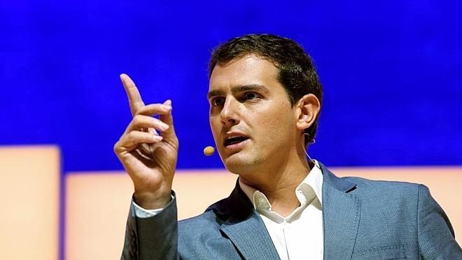 Rivera acusa a Juntos por el Sí de no tener «programa de gobierno»