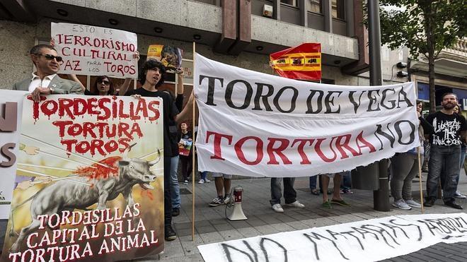 Pedro Sánchez: «Me avergüenzo del Toro de la Vega»