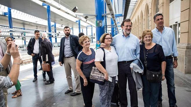 Rajoy y Sánchez, unidos en Twitter