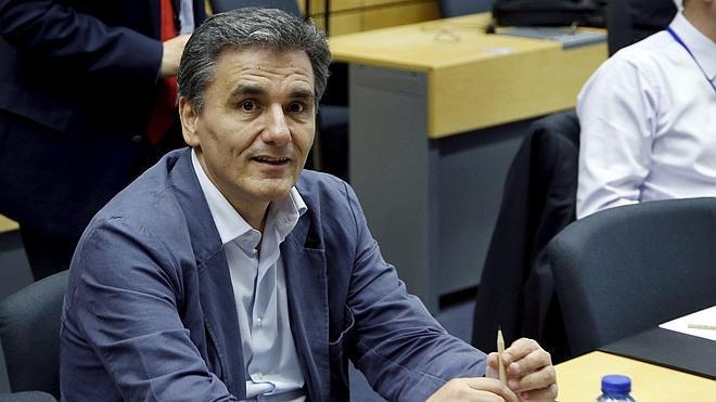 Tsipras nombra nuevo Gobierno y Tsakalotos repite como ministro de Finanzas