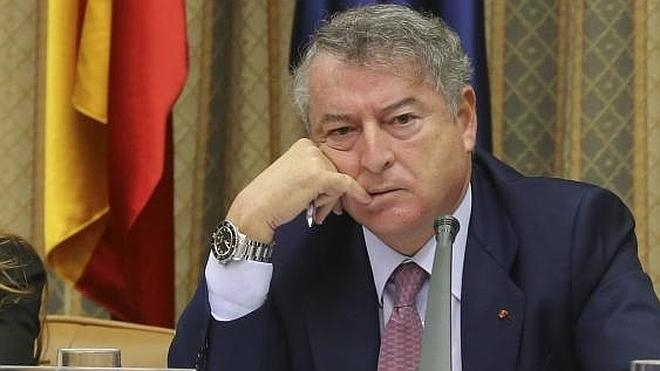 RTVE justifica que la invitación a sus trabajadores a jurar la bandera partió de «sus vecinos»