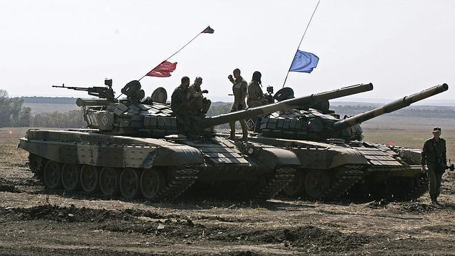 Ucrania y los separatistas prorrusos acuerdan aumentar la retirada de armamento pesado