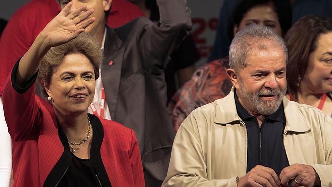 Una comisión parlamentaria exculpa a Rousseff y Lula del caso Petrobras