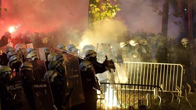 Los enfrentamientos entre manifestantes y agentes en Montenegro dejan al menos 39 heridos