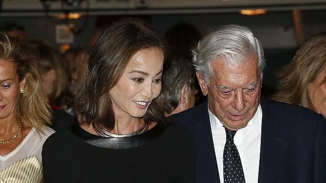 Vargas Llosa pide el divorcio a su esposa