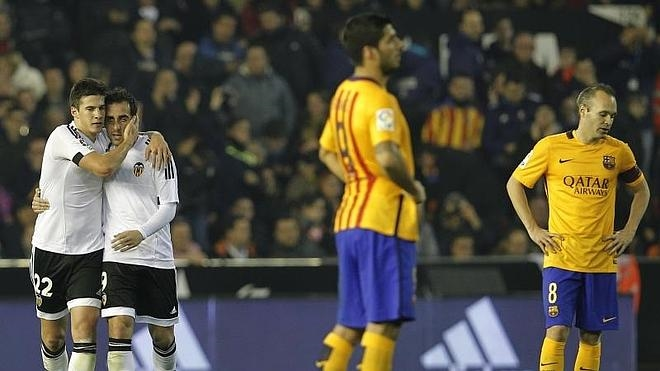 El Barça se lleva un golpe en Mestalla
