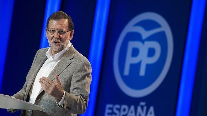 Rajoy alerta sobre los pactos: «Que los españoles sean conscientes de lo que pueden estar preparando»