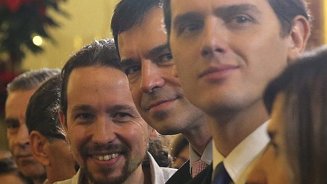 Ciudadanos y Podemos aprietan las tuercas a PP y PSOE en las autonomías