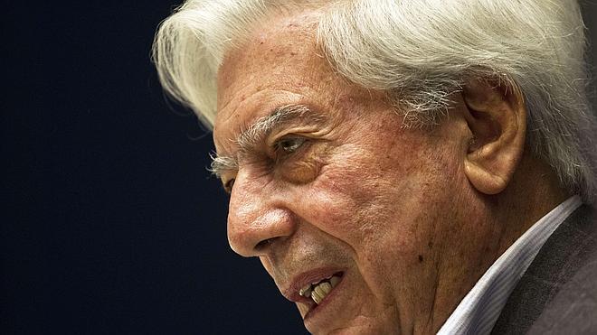 Vargas Llosa entra en vida en 'La Pléiade'