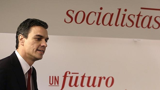 Sánchez cuenta con el respaldo de los barones para intentar formar gobierno si el PP no lo consigue