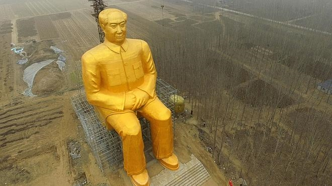 China erige una estatua gigante de Mao