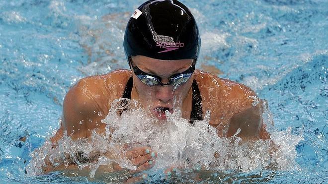 A la piscina olímpica, primero las mujeres y los jóvenes