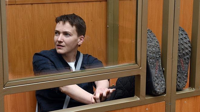 La piloto ucraniana Sávchenko, condenada a 22 años de cárcel