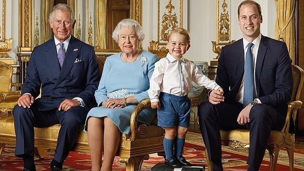 Isabel II prepara su 90 cumpleaños con su popularidad intacta