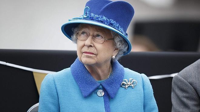 Isabel II tilda de «groseros» a los miembros de la delegación del presidente chino