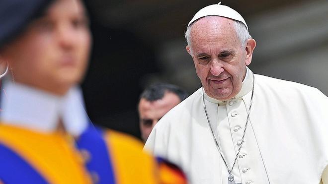 El Papa estudia que las mujeres puedan casar y bautizar