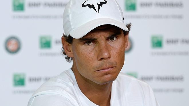 Nadal se retira de Roland Garros para que no se le rompa la muñeca