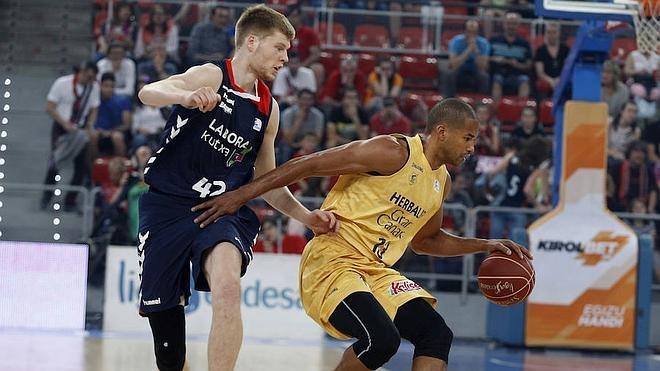 El Baskonia coge ventaja en la eliminatoria ante el Gran Canaria