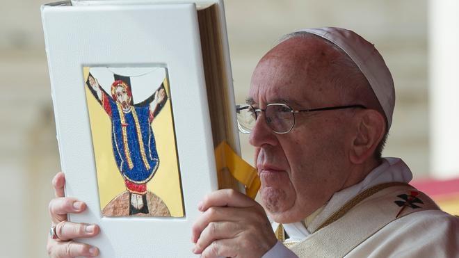 El Papa aprueba apartar a los obispos negligentes en casos de pederastia