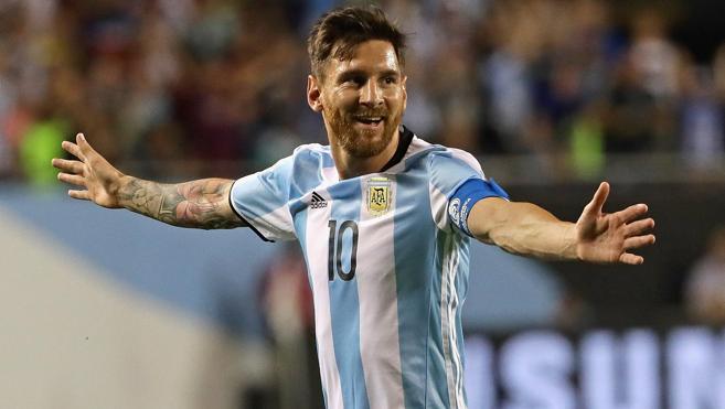 Un Messi «feliz» y con «muchas ganas» de volver iluminó a su selección