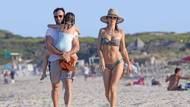 Qué tiene Ibiza que a todos (los famosos) enamora