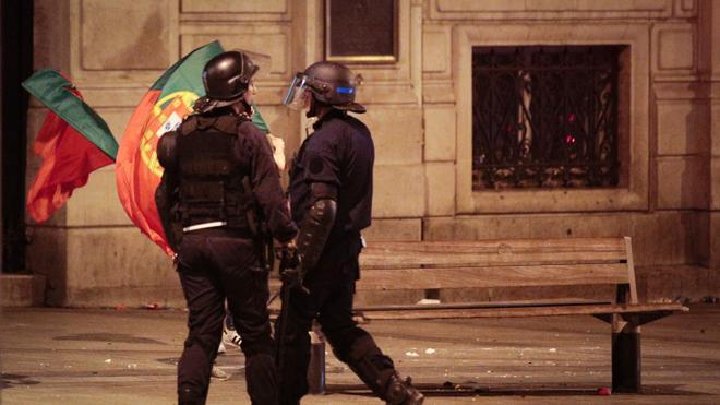 Medio centenar de detenciones en París durante la final de la Eurocopa