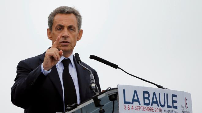 La Fiscalía pide juzgar a Sarkozy por financiación ilegal