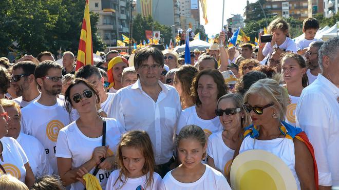 Puigdemont asegura que culminará el proceso en junio o julio de 2017